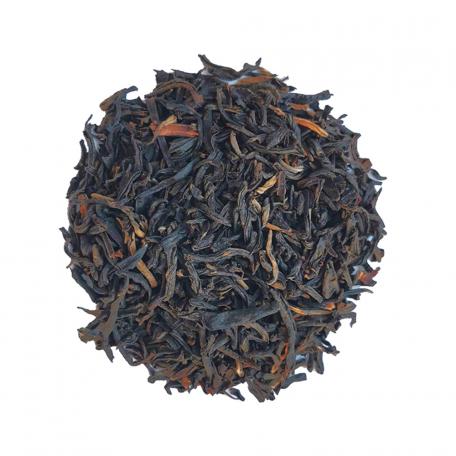 Thé noir fin, riche en goût et faible en théine