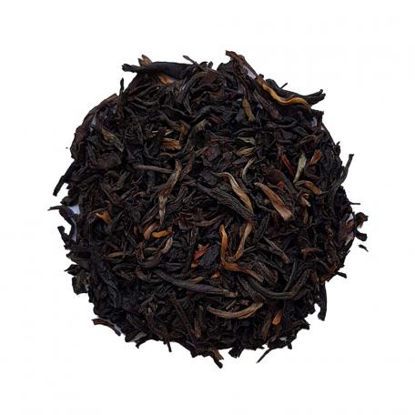 Thé noir en aiguilles dorées