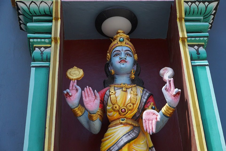 sculpture déesse hindou 4 bras