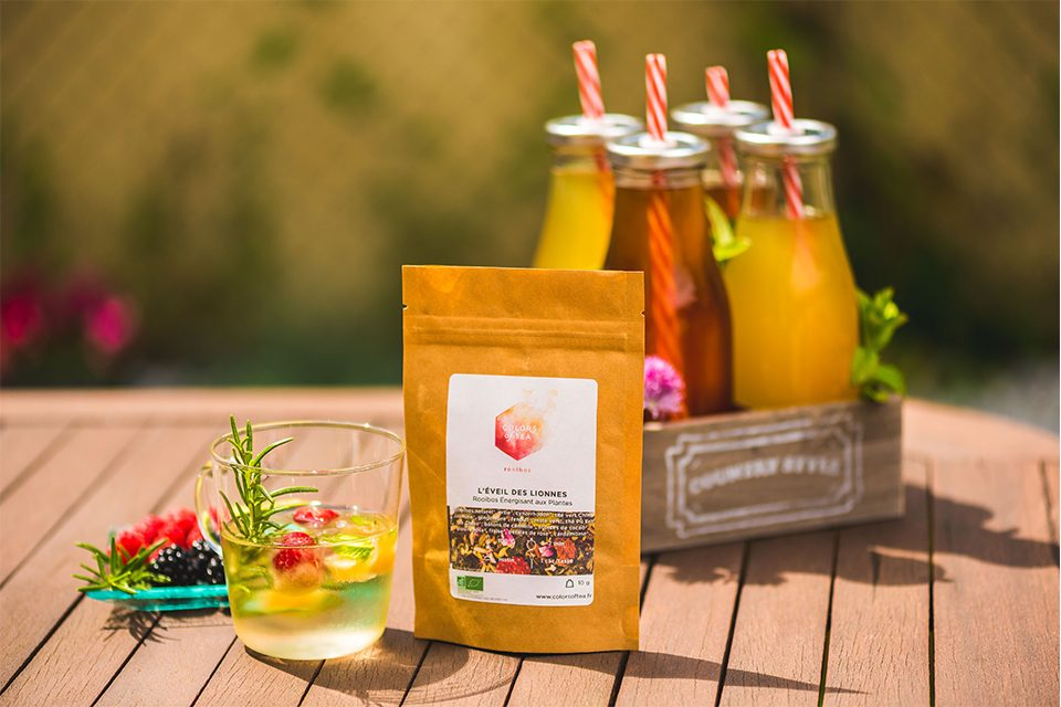 thé glacé fruits, sachet colors of tea et 4 bouteilles
