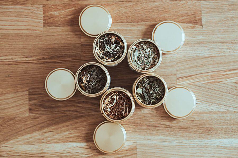 thé vrac dans boites métal