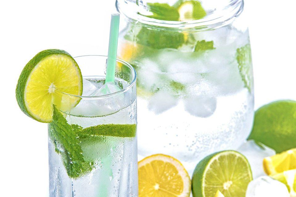 boisson glacée citron et menthe